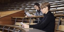 El aumento de la presencia social de la mujer podría explicar el aumento de su CI