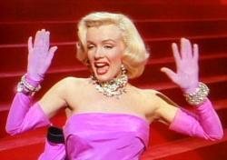 Marilyn Monroe es uno de los pocos personajes femeninos relevantes de Wikipedia