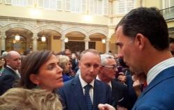 Don Felipe conversa con la Secretaria General de Mujeres en Igualdad, Carmen Fúnez