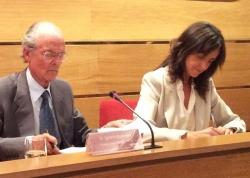 Ignacio Buqueras y Carmen Fúnez durante la firma del acuerdo