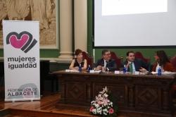 Mesa inaugural de la jornada educativa celebrada en Albacete.