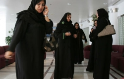 http://www.estrelladigital.es/mundo/mujeres-saudies-podran-ejercer-abogacia_0_1264673650.html