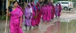 Samat Pal se encamina a una reunión de la Banda Rosa en Attara